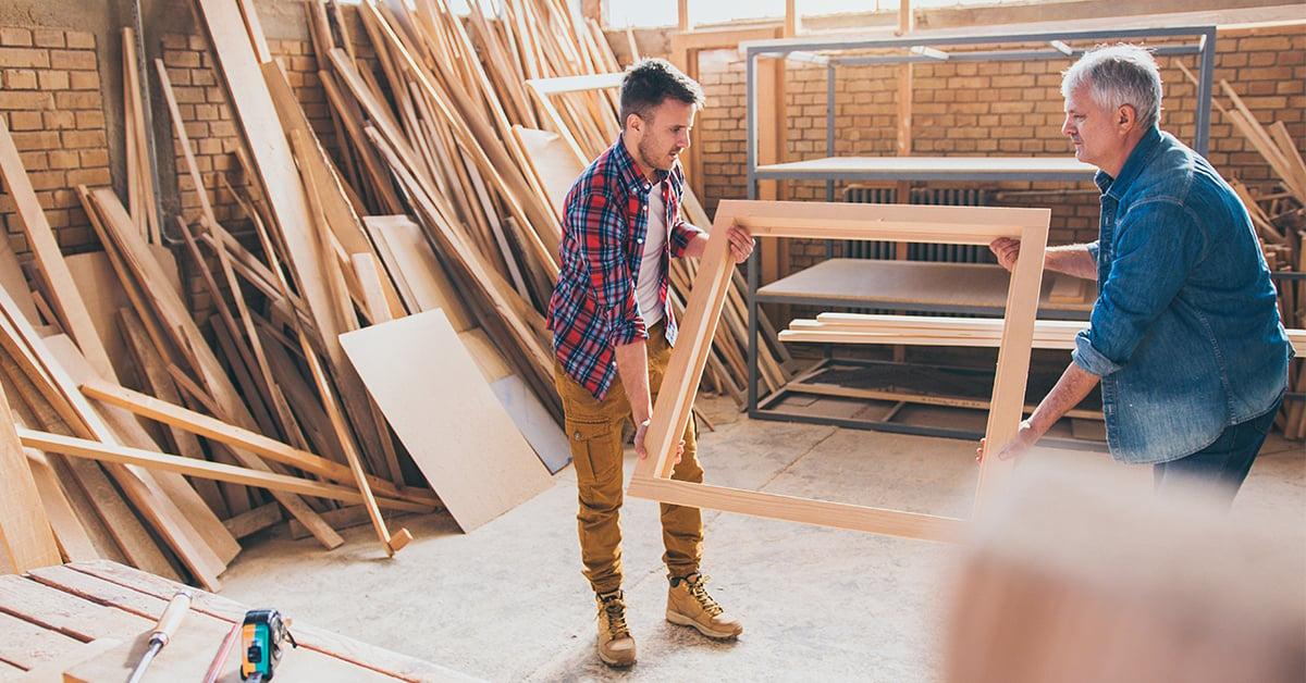 Carpentieri con prodotto finito