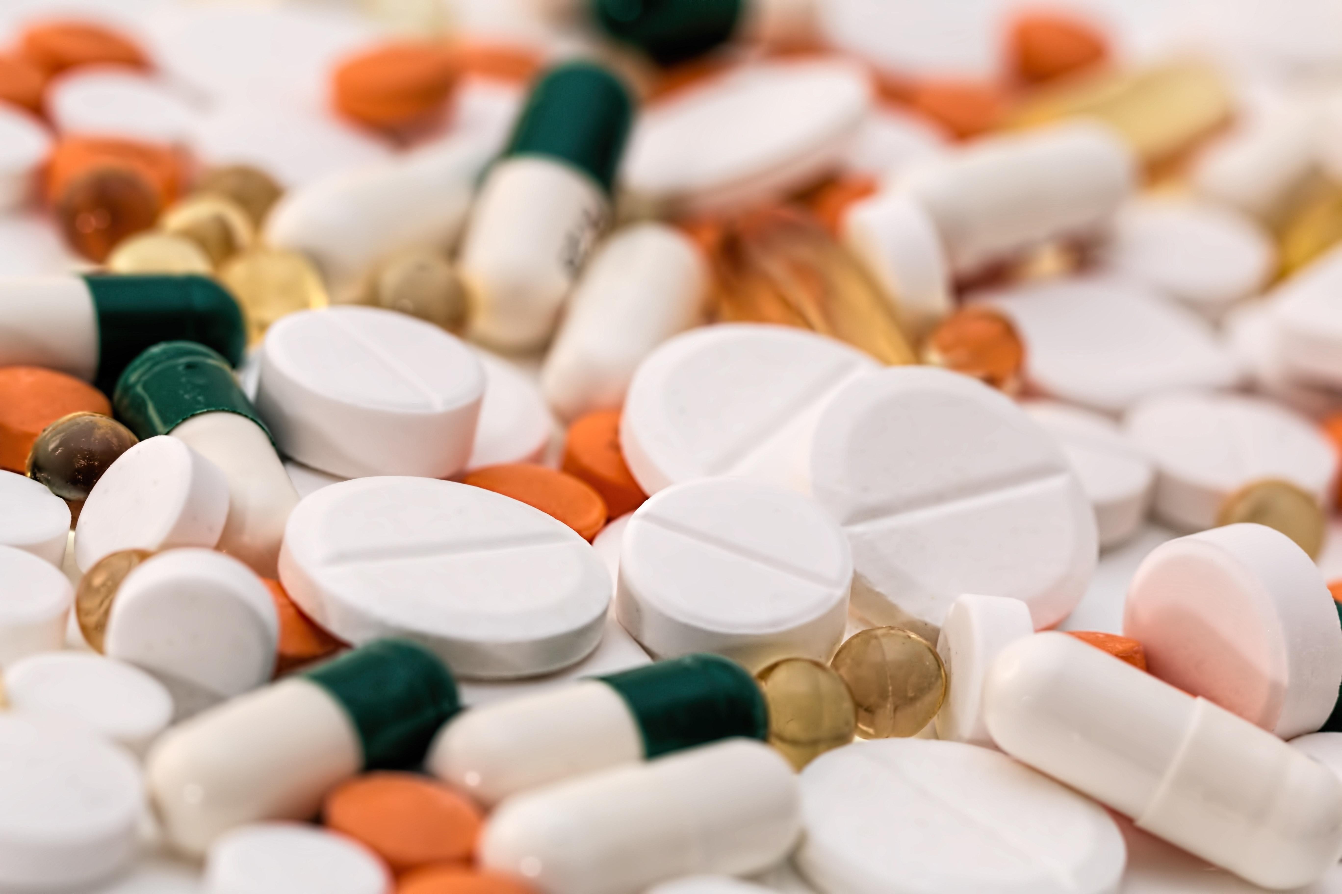 addiction-antibiotic-capsules-159211